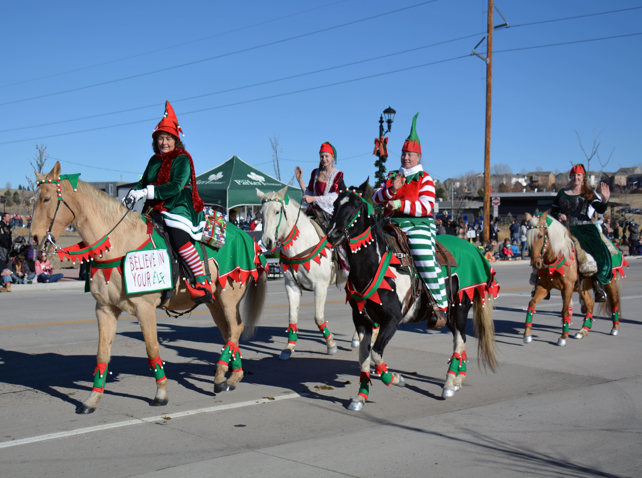 Christmas Parades Near Me 2019.Christmas Carriage Parade Presented By Xfinity Town Of