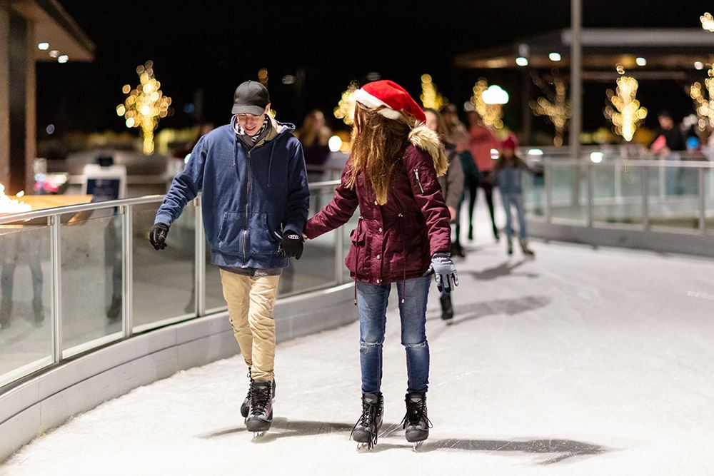 2018 Discovery Park Ice Skating_NIGHT-42